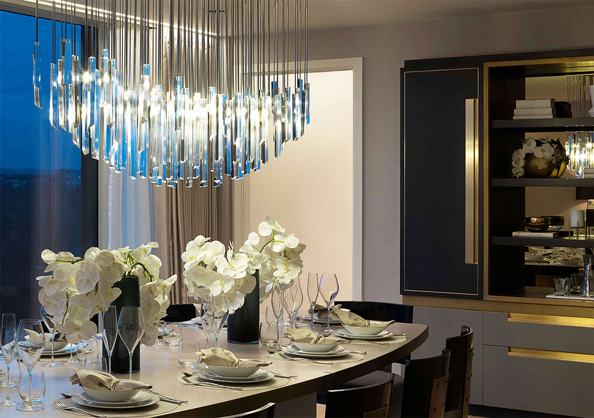 BESPOKE CHANDELIER CREATING A VARIETY OF LIGHTING EFFECTS