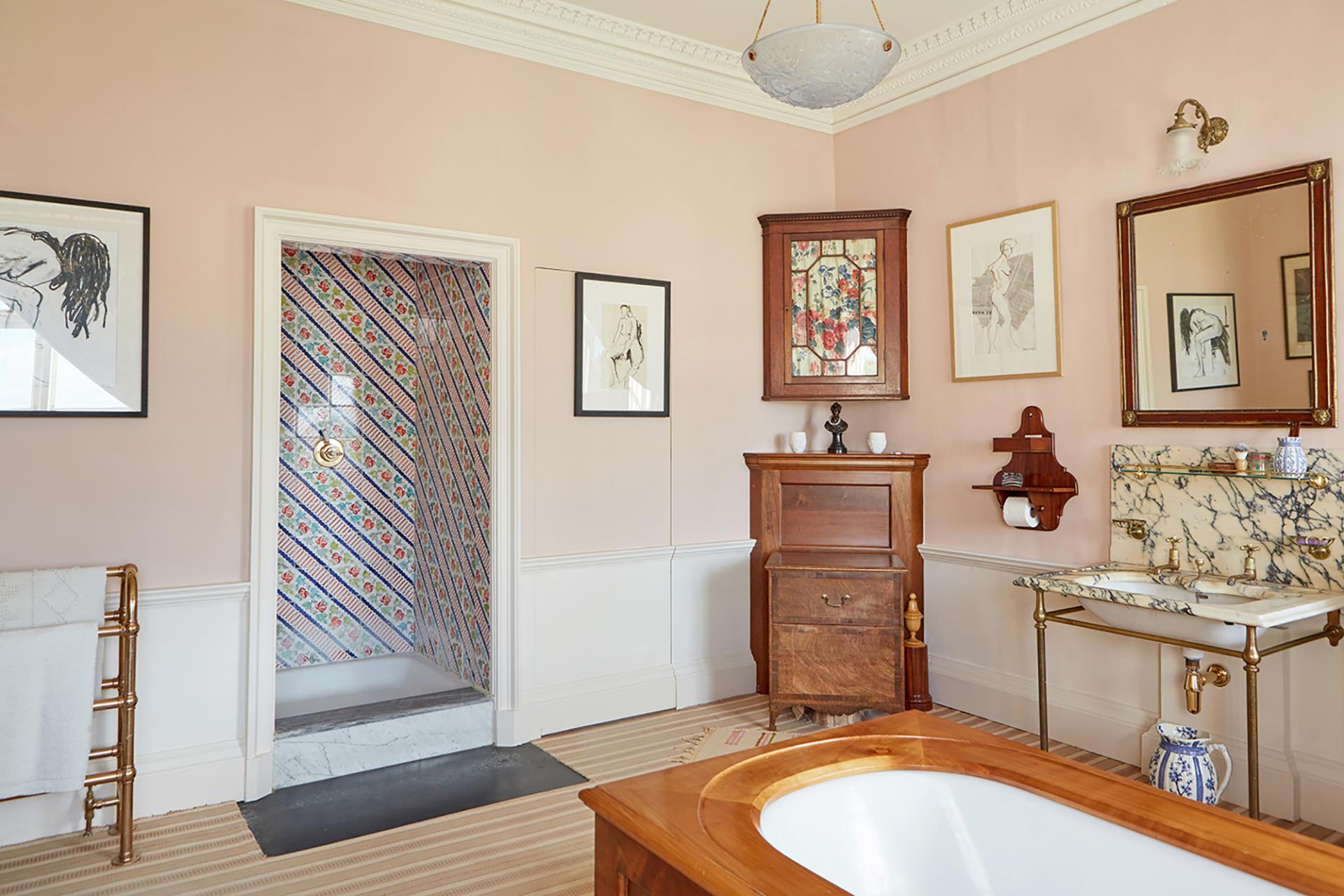 """The tonality of colour is key"" - Edward on colour in historic and modern homes. ""Cuisse de Nymphe Emue"" in Edward's bathroom"
