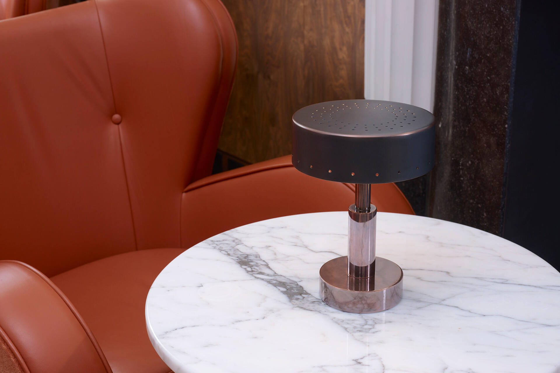 Mini Moderne cordless rechargeable table lamps for hospitality