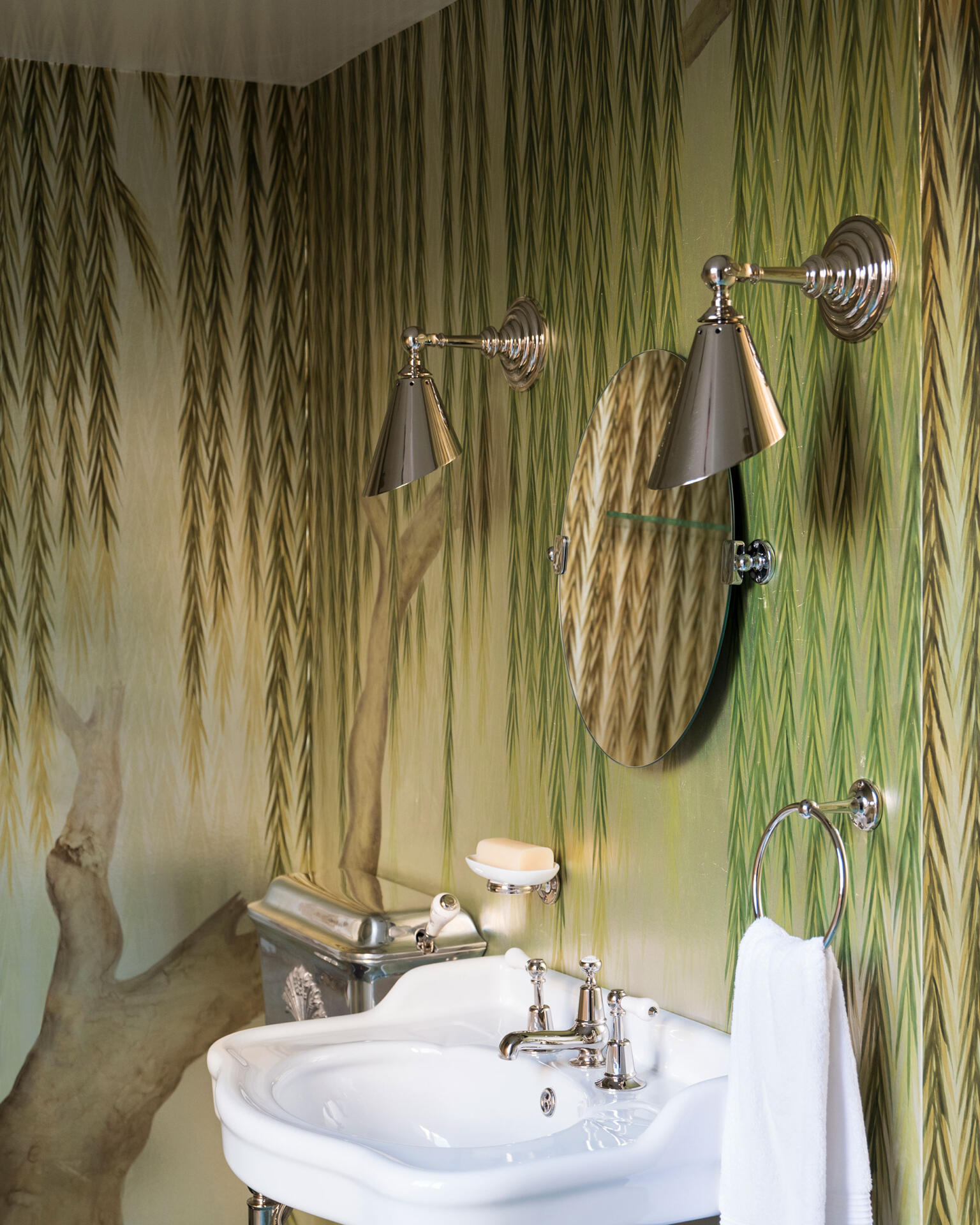 """Collier Webb Clipper Task Lights with """"Willow"""" wallpaper and Catchpole & Rye basin"""
