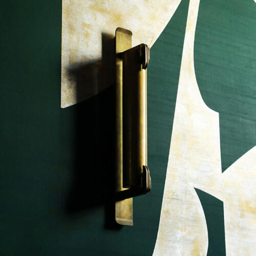 Collier Webb Lang wall light at the de Gournay Shanghai showroom